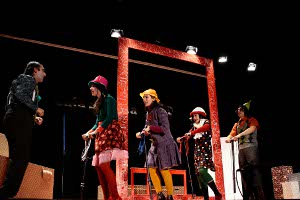 Clowns in danger. Theater play in Granada