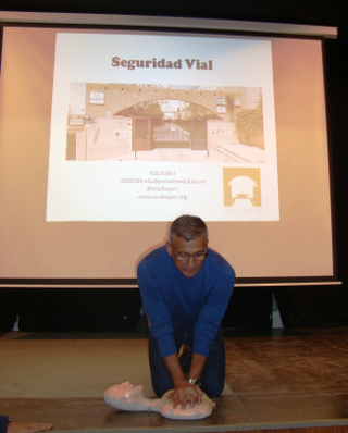 Round Table Educational Road Safety Center Granada. 2014. CPR. Mini Anne